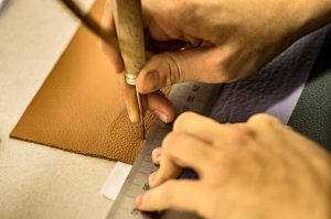 Quotus-lavorazione-artigianale-pellame-naturale-per-quaderni