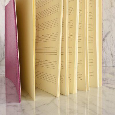 Cartoleria Quotus - Block Notes Virgilio Musica con fogli prentagramati in carta vergata avorio