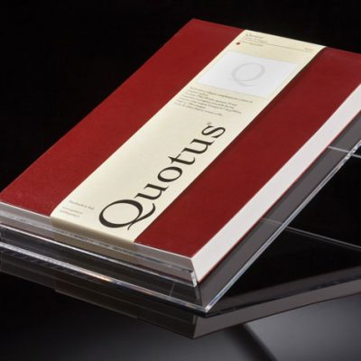 quotus-espositore-block-notes-solus-artigianale-in-vera-pelle-e-carta-vergata-conqueror